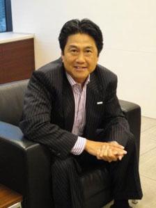 川上 潤氏