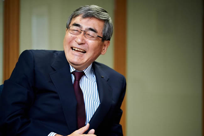 内藤 晴夫氏